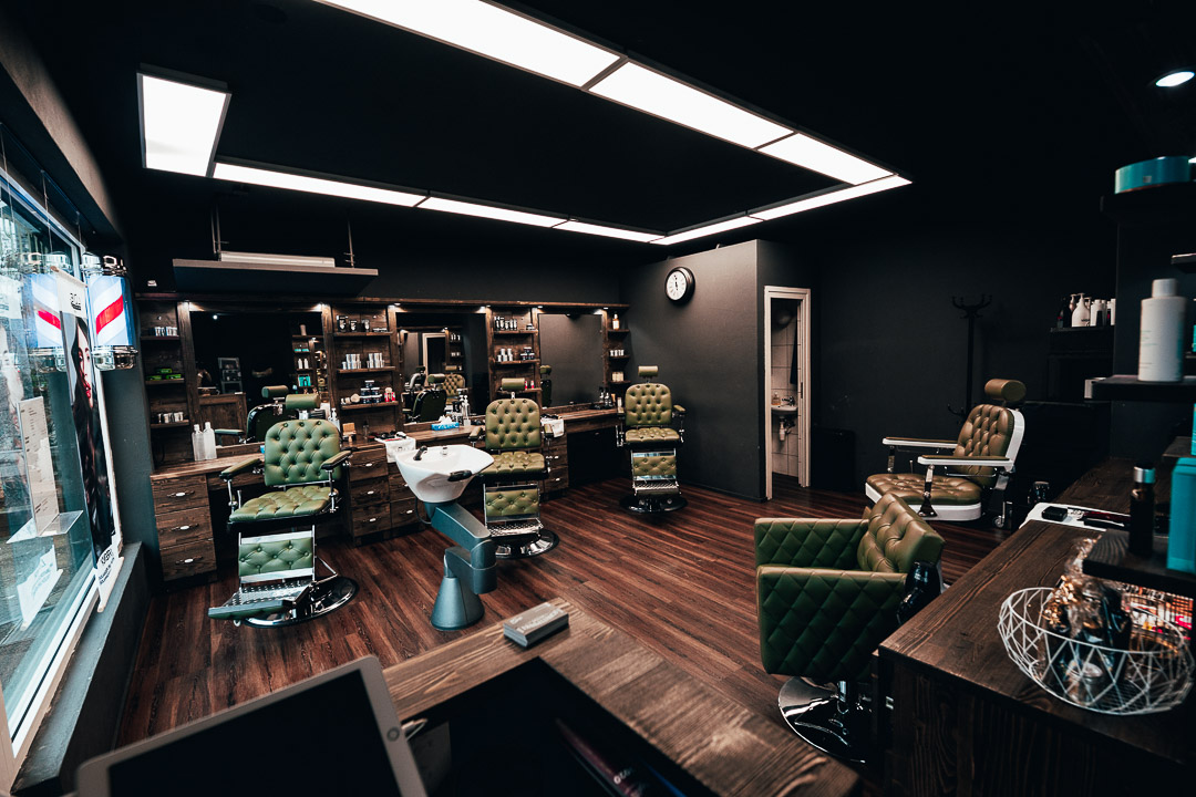 barber coiffeur shop inside